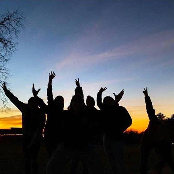 ywam-tyler-gap-year-group-sunset