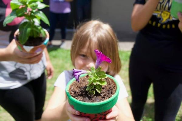 ywam-tyler-outreach-west-virginia-girl-flower