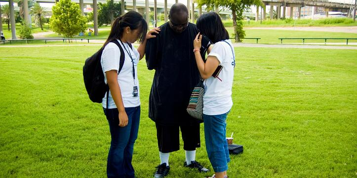 2girlprayman-486710-edited.jpg