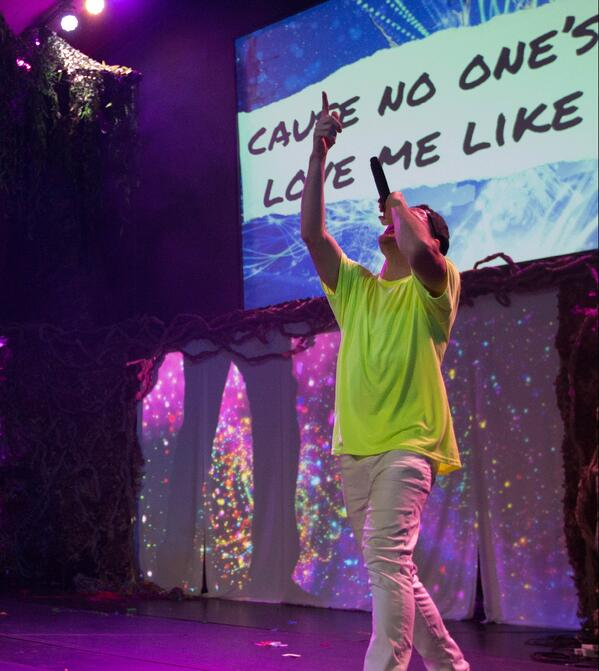 ywam-tyler-inpsire-worship-missions-conference-unearthed-singing