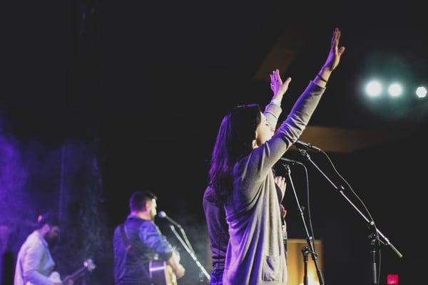 worship-ywam-missionary-amy-bang-inspire