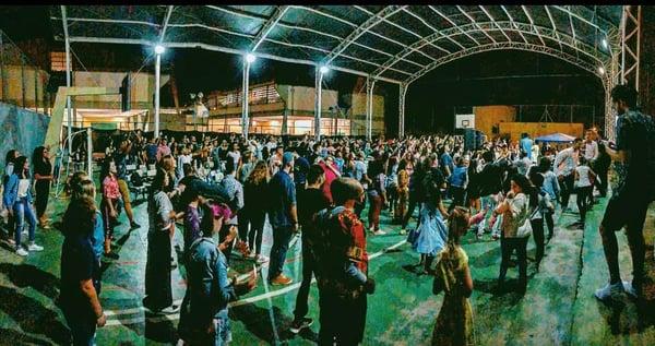 ywam-tyler-missionary-training-outreach-brazil-dillon-team-gathering